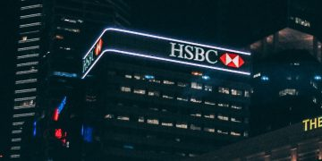 HSBC Customers Are Urged to Change Passwords in the Wake of a Security Breach screenshot