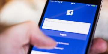 Anyone Can Trace Your Facebook Profile Using Your Phone Number If You Do Not Hide It screenshot