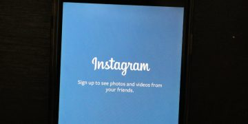 Do Not Fall for Fake Instagram Helper Apps That Can Steal Your Password screenshot