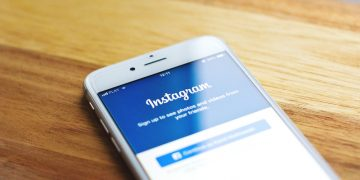 What Is Instagram's 'Hotlist' Scam and What to Do If You Fall into Its Trap screenshot