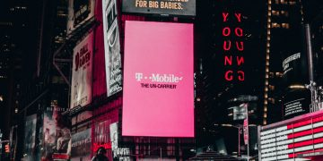 T-Mobile Data Breach Forces Customers to Change Their Passwords screenshot