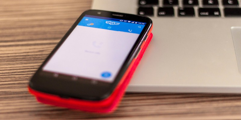 Fake Skype and Signal Apps Spread Spyware