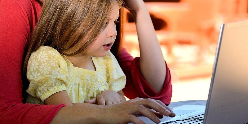 7 Tips for Parents Whose Kids Are Learning Remotely screenshot