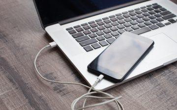 Das Telefon trennt die Verbindung und stellt die Verbindung zum Computer wieder her screenshot